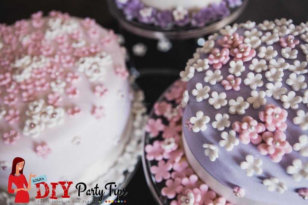 Lola's DIY Party Tips - Pastel Flowers Wedding cake