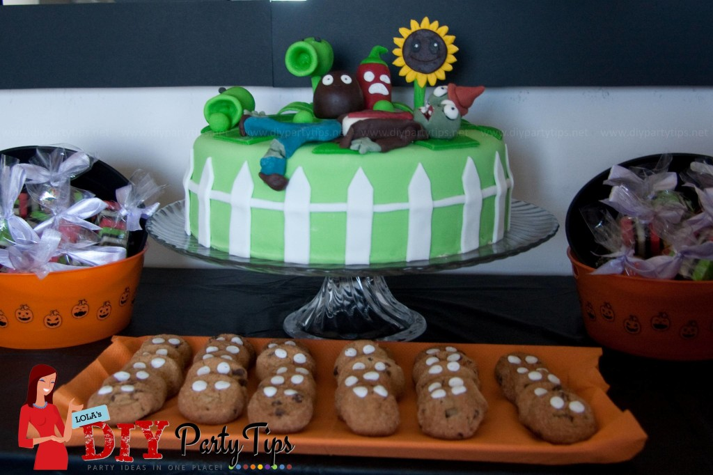 Plants vs. Zombie Cake - Lola's DIY Party Tips