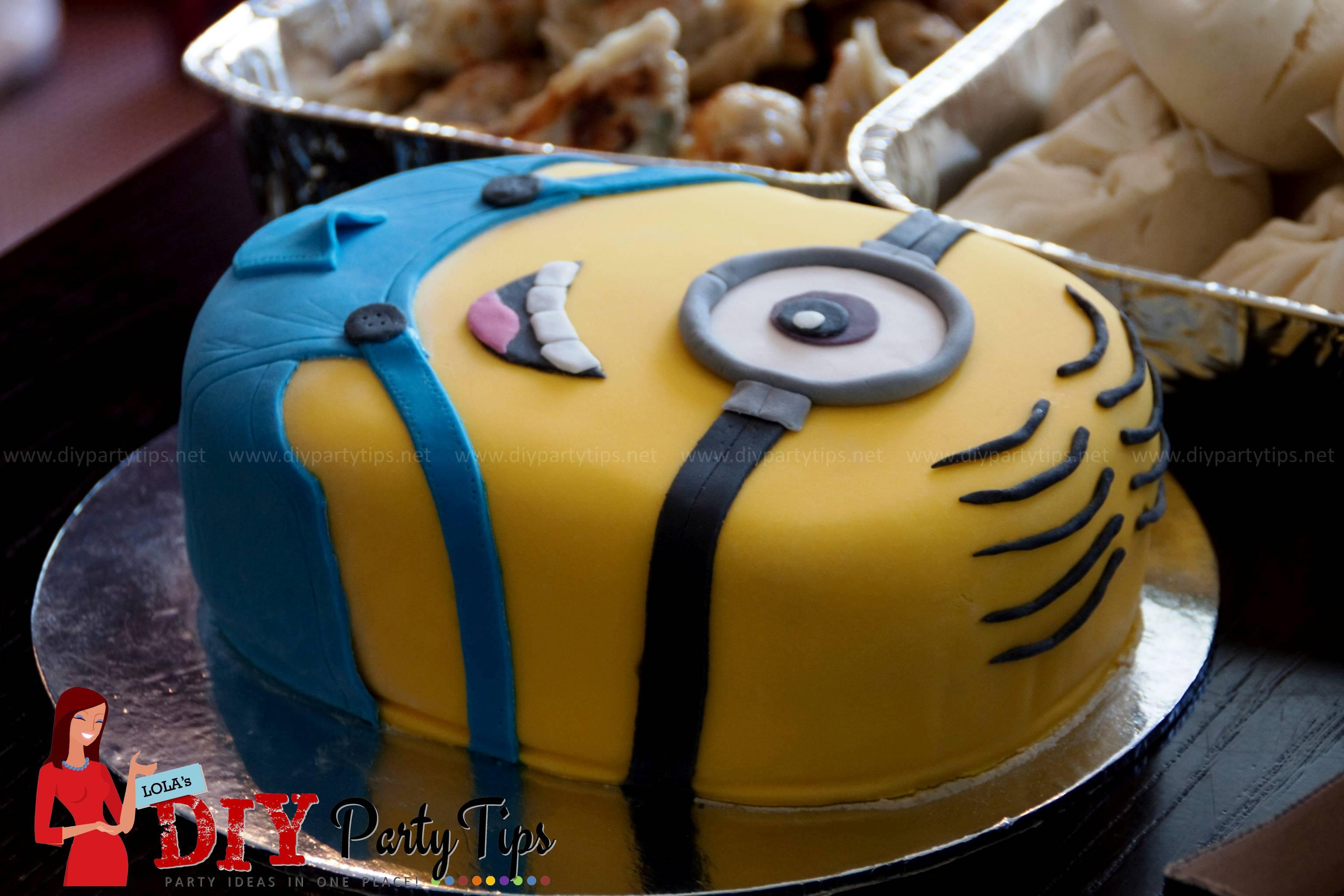 Lola S Diy Party Tips Deable Me Minion Cake